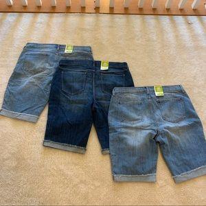 BUNDLE! Old navy denim shorts NWT size 14
